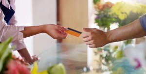 10 Things You Need to Know About Credit Card Expiration Dates