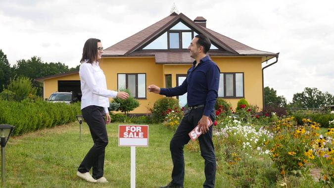 For Sale, home buyer, real estage agent