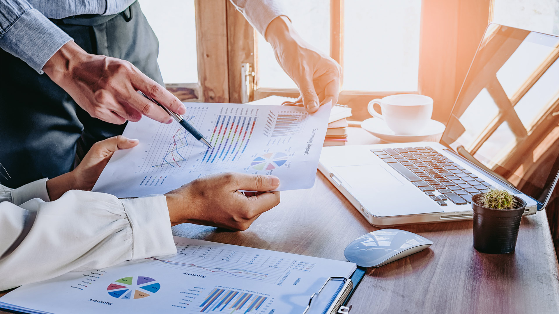 Investment Options: Advantages and Disadvantages of Managed