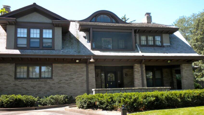 Warren Buffett house.