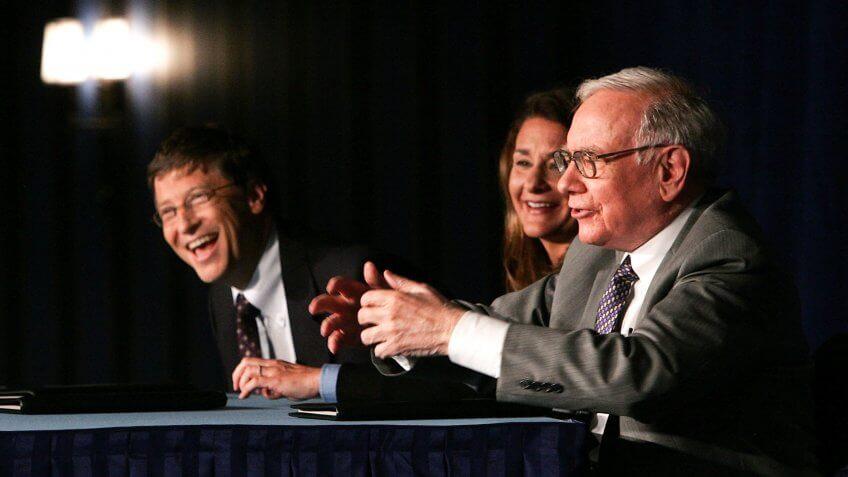 Warren Buffett Bill and Melinda.