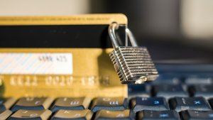 4 Credit Cards for Strengthening Your Credit in Phoenix