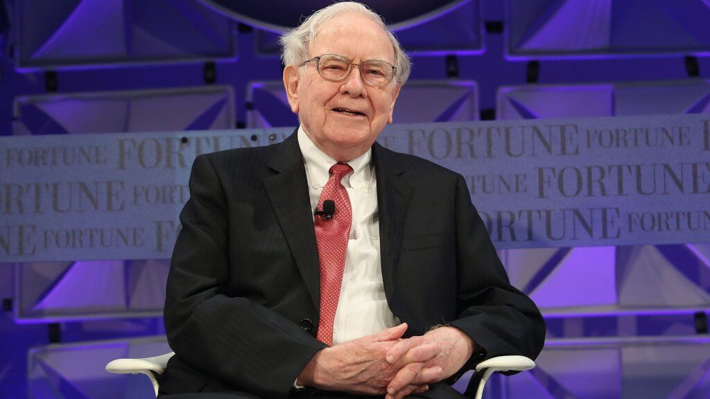 11 Ways Warren Buffett Lives Frugally
