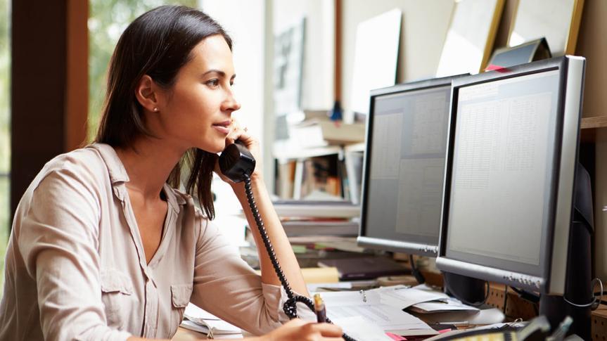 woman-phone-calling