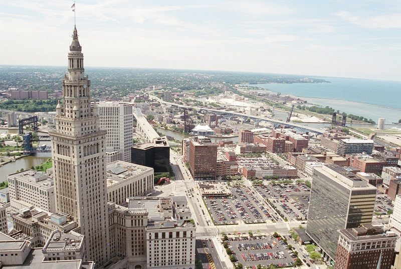 Cleveland's KeyBank Among the 10 Best Banks of 2015
