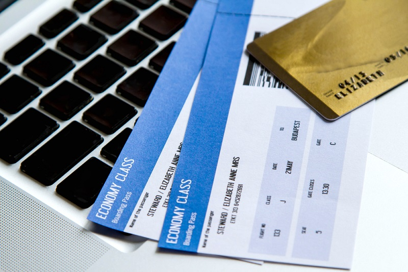 4 Best Airline Credit Cards for Frequent Flyers