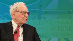 Warren Buffett's Failures: 10 Investing Mistakes He Regrets
