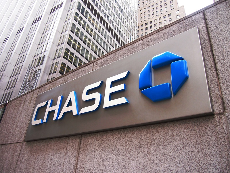 Review: Fees, Rates and Perks of Chase Checking Accounts