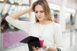 5 Signs You Have a Spending Problem