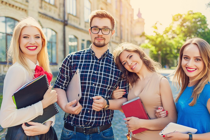 10 Financial Planning Tips for College Students