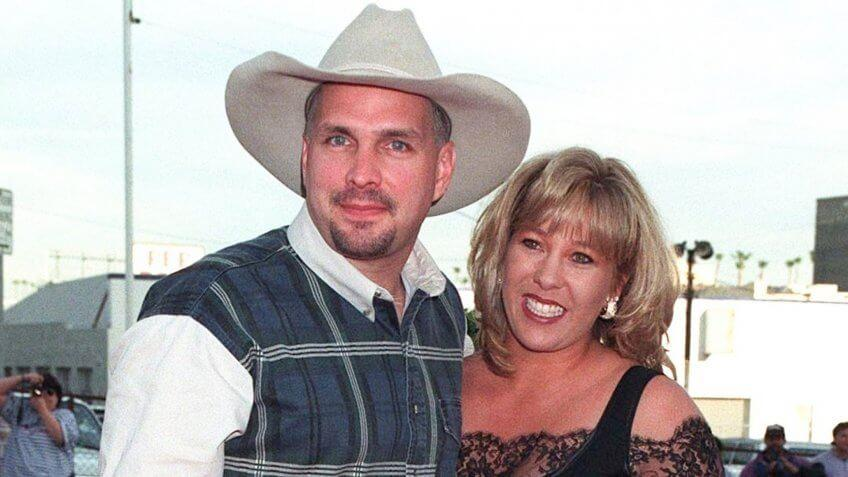 11MAR97: Country singer GARTH BROOKS & wife SANDY at the Blockbu, 12 of the Most Expensive Celebrity Divorces to Rock Hollywood