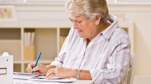 10 Best Checking Accounts for Retirees