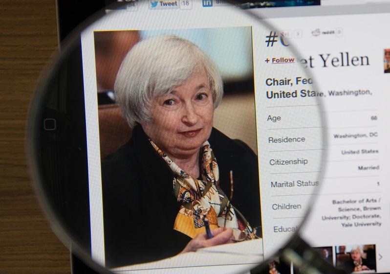 Do Rising Interest Rates Make You Richer or Poorer?
