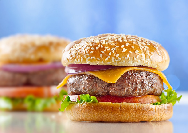 20 Freebies, Deals, Discounts for National Cheeseburger Day 2015