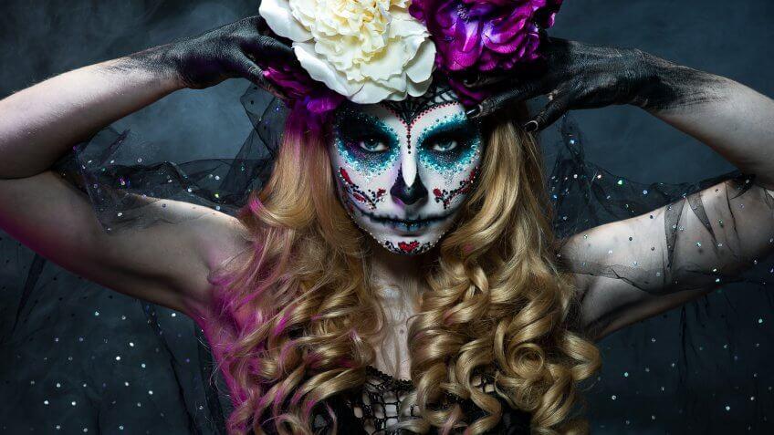Dia De Los Muertos 2016 5 Diy Costume Ideas Under 20 Gobankingrates