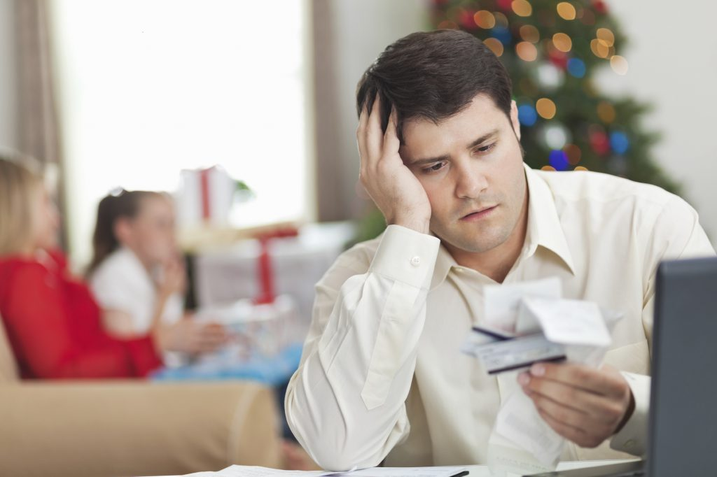 5 Easy Ways to Pay Off Debt Before the Holiday Season