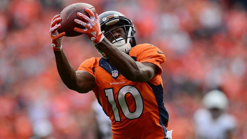 DENVER, CO - OCTOBER 30:  Wide receiver Emmanuel Sanders #10 of the Denver Broncos catches a 37-yard pass in the second quarter of the game against the San Diego Chargers at Sports Authority Field at Mile High on October 30, 2016 in Denver, Colorado.