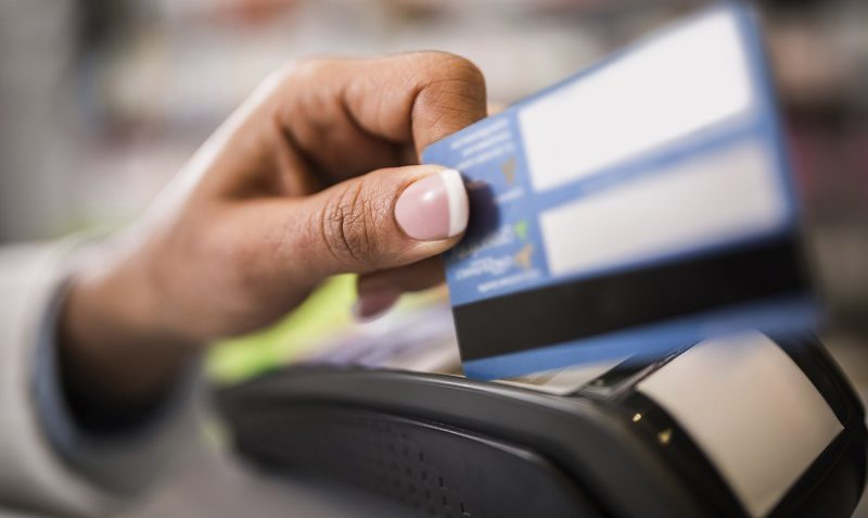 5 Credit Cards That Pay You to Use Them