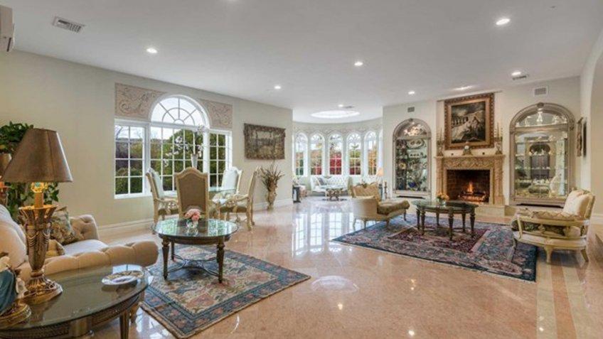 spacious living room floor plan in New Jersey