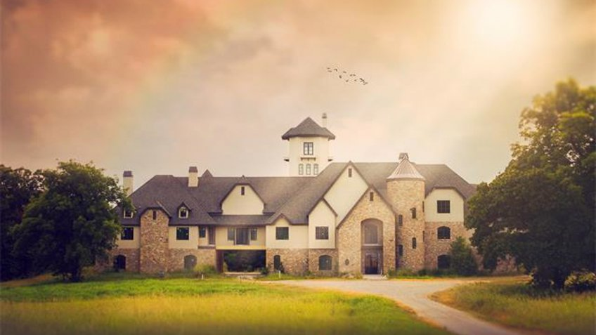 Large home located on Skelly Lodge land in Oklahoma