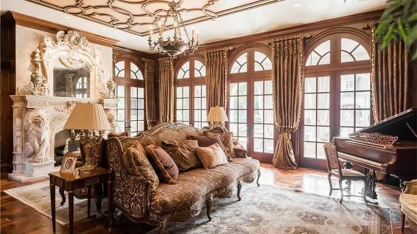 French estate-style home in Dallas, TX