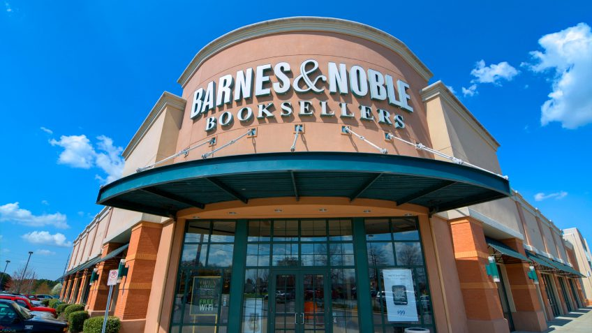 Waterstones owner buys US bookstore Barnes & Noble - Evening Express