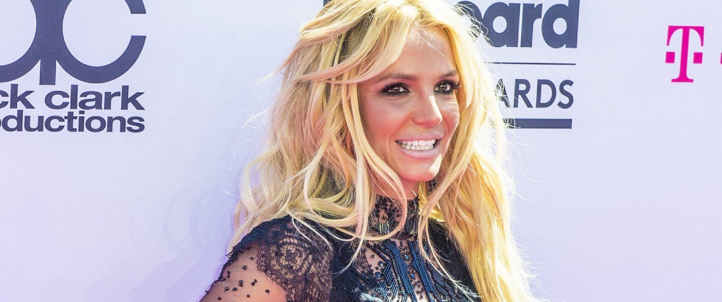britney spears' net worth tops  million on her th birthday, Birthday card