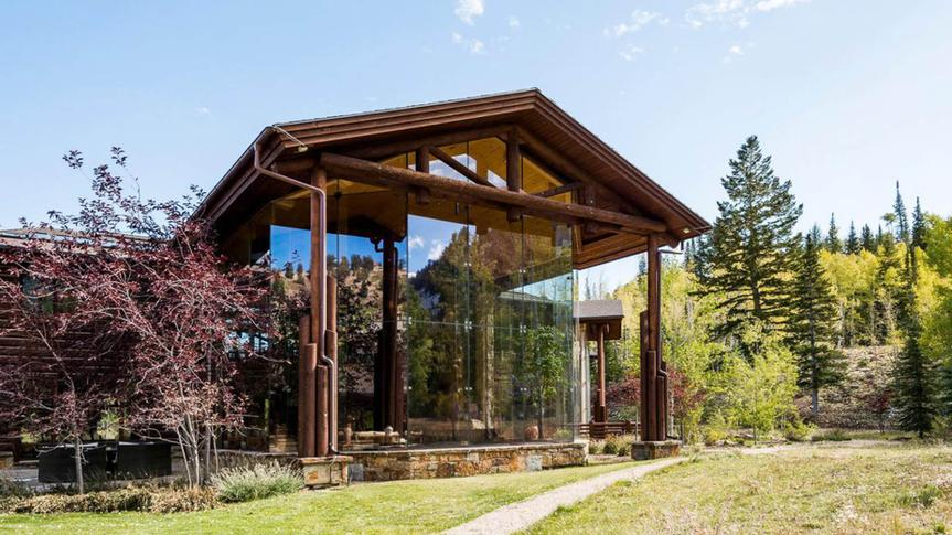 luxury home in Utah with large glass windows
