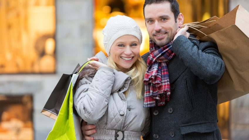 9 Savings Strategies to Celebrate the Holidays Like a Millionaire