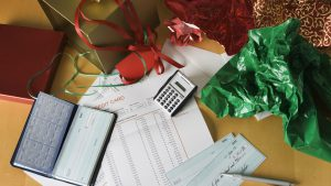 How to Balance Your Retirement Savings Plan and Holiday Shopping This Year