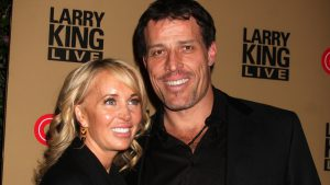 Tony Robbins' 7 Habits That Help Him Make Money