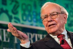 10 Best Money Tips From Warren Buffett of All Time