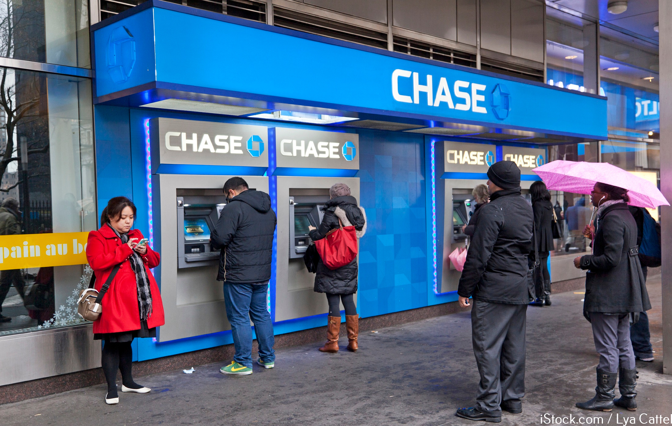 Chase bank hours and timings of operations are one of the most convenient among the banks in USA. Find Chase Bank Holiday Hours Open/Closed On Saturday Sunday, Chase bank atm near me e3lenak3ena.ml can Also Find Chase Bank Working Hours.