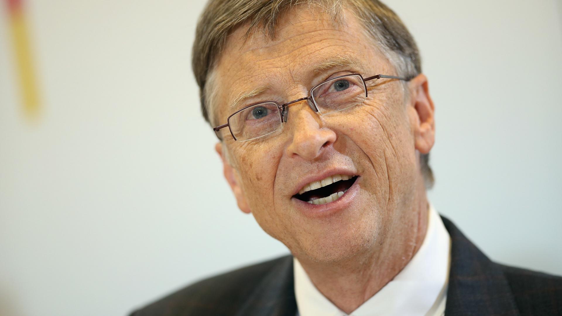 10 Ways Bill Gates Built His $876 Billion Fortune