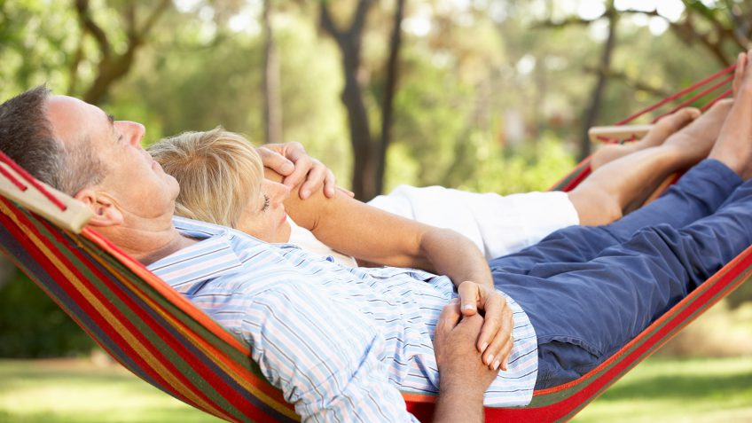 retired-couple-in-hammock