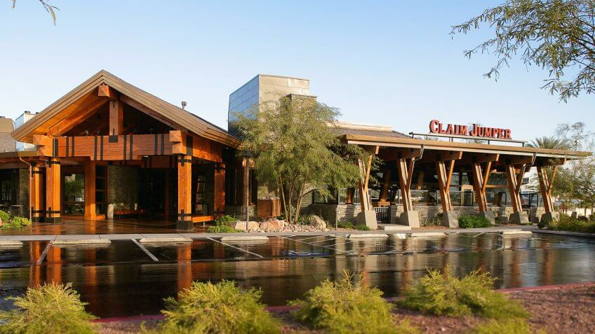 claim jumper store front