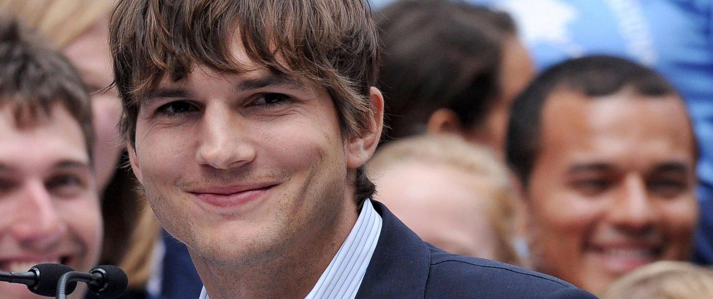 Here's Ashton Kutcher'...
