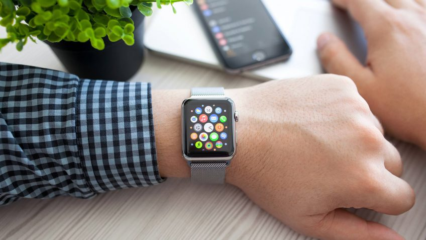 12 Smartwatch Money Apps