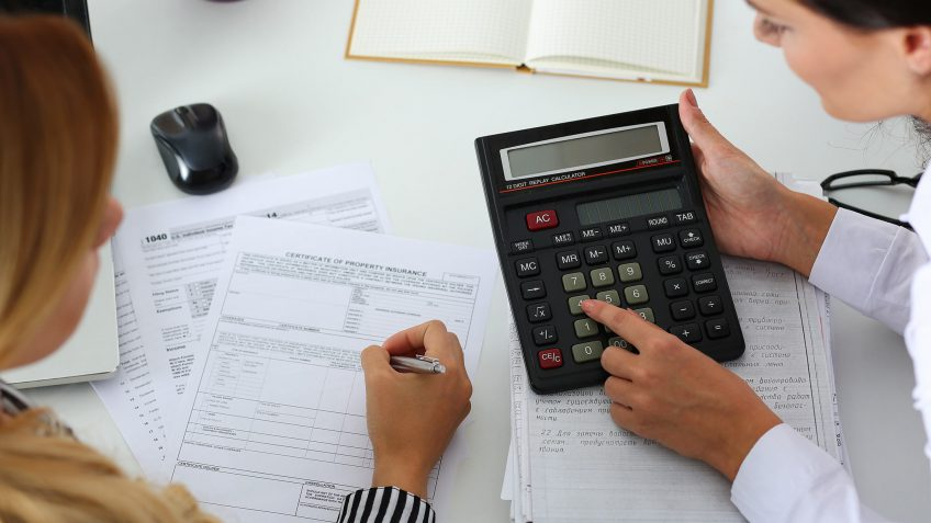 How to Decide Which Tax-Filing Method Is Best for You