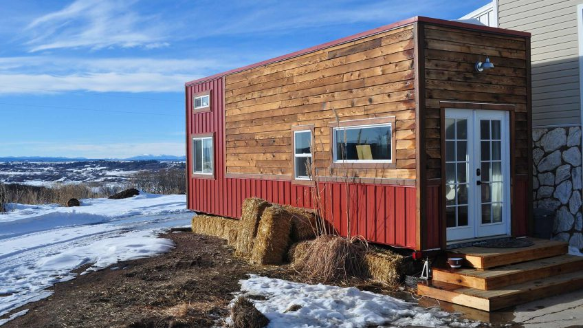 Pleasing 10 Tiny Homes You Can Actually Afford Gobankingrates Largest Home Design Picture Inspirations Pitcheantrous