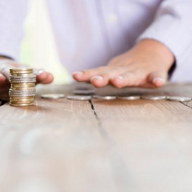 10 Savings Hacks for 2016
