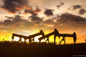 Why Oil Stocks Will Be the Best Investment in 2016