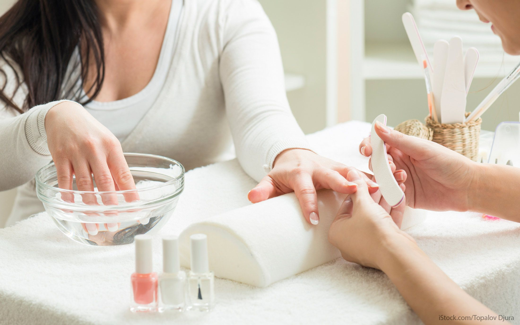 cash-only nail salons
