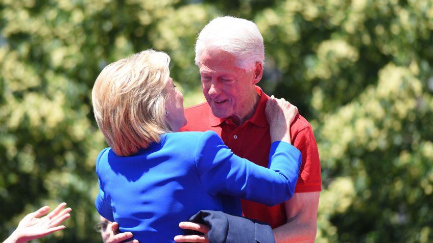 Hillary Clinton taxes
