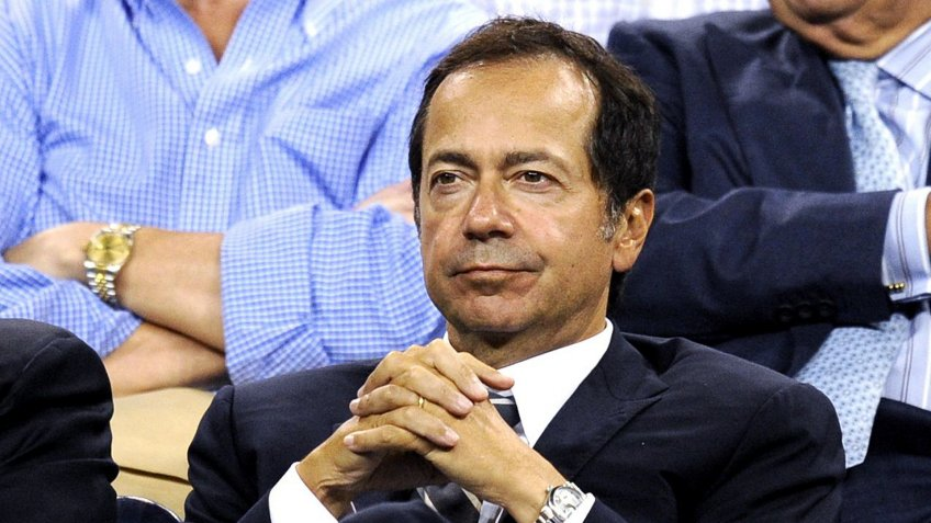 John Paulson President of Paulson & Co a New York-based Hedge Fund Watches the Match Between Venus Williams of the United States and Francesca Schiavone of Italy at the 2010 Us Open Tennis Championship at the Usta National Tennis Center in Flushing Meadows New York Usa 07 September 2010 the Us Open Championship Runs Through 12 September when the Men's Final is Scheduled to Be Played United States Flushing MeadowsUsa Tennis Us Open 2010 Grand Slam - Sep 2010.