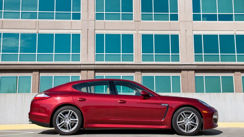 20 luxury cars with the best gas mileage gobankingrates. Black Bedroom Furniture Sets. Home Design Ideas