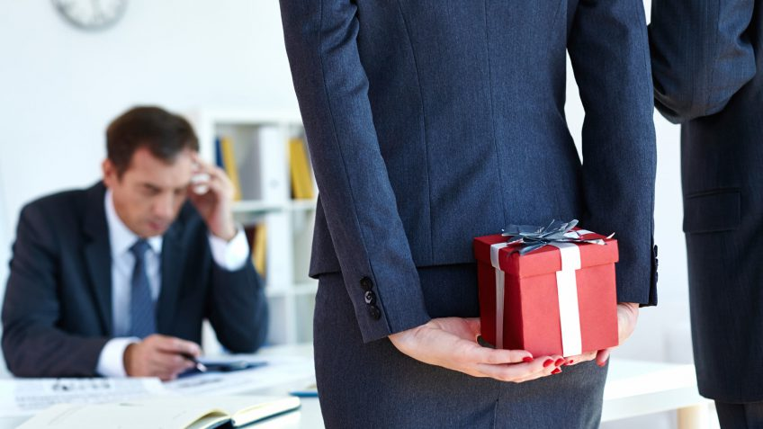 15 Best Administrative Professionals Day Gifts Under $30