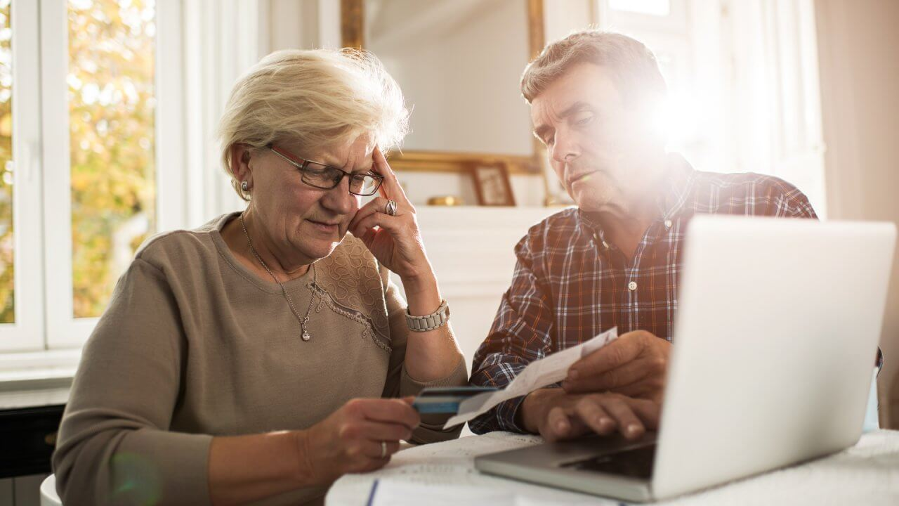 35 Retirement Planning Mistakes That Waste Your Money