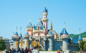 13 Dirty Tricks to Save Money at Disneyland