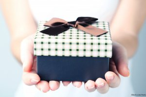 Wedding Gift Ideas Under 200 : 14 Wedding Gift Ideas Under USD40 That Wo not Make You Look Cheap